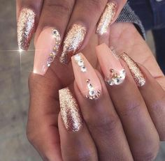Pink glitter gold glitz glam nails art design unha decorada com pedras, unhas Peach Acrylic Nails, Peach Nails, Rose Gold Nails, Peach Colored Nails, Gold Stiletto Nails, Gold Gel Nails, Coffin Nails, Glam Nails, Bling Nails