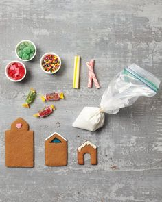 Super Make It's Cookie Snow Globes in Martha Stewart Living - how to decorate the houses.
