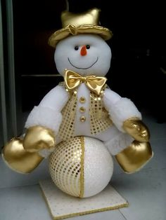 1 million+ Stunning Free Images to Use Anywhere Felt Snowman, Diy Snowman, Christmas Snowman, Rustic Christmas, Christmas Time, Xmas, Snowmen, Felt Christmas Decorations, Snowman Decorations