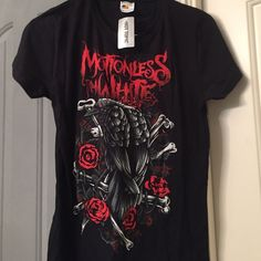 Motionless in white band tee Motionless in white black and red tee Hot Topic Tops