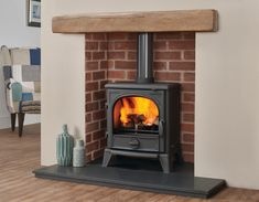 Really feel the burning sensation of Wood Burning Stove Layout. See extra concepts regarding Wood ovens, Wood oven and also Fireplace heating unit. Selecting the very best wood burning ovens for your homestead is a personal event. Wood Burner Fireplace, Inglenook Fireplace, Home Fireplace, Fireplace Remodel, Living Room With Fireplace, Fireplace Design, Gas Wood Burner, Wood Burning Stoves, Fireplaces