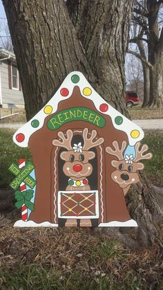 Wooden Christmas Yard Decorations, Christmas Crafts For Gifts, Christmas Art, Wood Yard Art, Pintura Country, Gingerbread Reindeer, Gingerbread Train, Holidays, Grinch