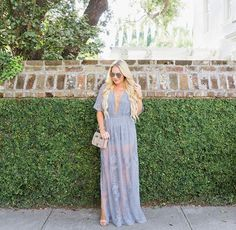 Lovely in London never looked so good!!! @CortneyDryden looking bomb in this bestselling Maxi!✨ #bloggerbabe #maximoment