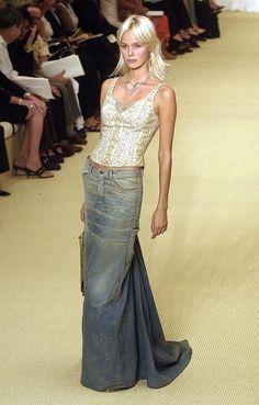 Long denim skirt.
