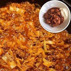Lust auf eine richtig leckere Low Carb Pfanne mit nur 200 Kalorien? Dann probiert es mal mit Kapuska. Es schmeckt sogar leicht nach Spaghetti Bolognese. Das Rezept gibt es auf meinem Foodblog aus Köln.