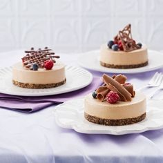 Collect this Mini Chocolate Cheesecakes with Berries recipe by Everyday Delicious Kitchen. MYFOODBOOK.COM.AU | MAKE FREE COOKBOOKS