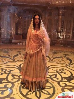 @DeepikaPadukone's dress in Deewani Mastani Song. The ...