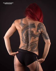 @sum_red Other great picture from @glamourart_photography Outfit: short @bandurskadesign #poledancer #fotografie #fotoshoot #fotoshooting #photoshooting #photography #tattoomodel #tattoogirls #inkedstrong #ink #aliengiger #gigertattoo #inked #tattoodark #backtattoo #blackandgrey #redhair #inkstragam #swiss #stronggirl #fitgirl #modelling #modell #tattoowomen #tattooworld
