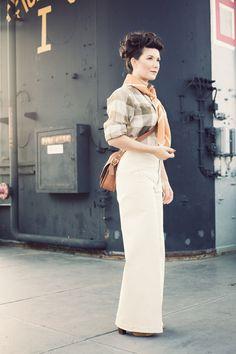 I wish I could wear high-waisted pants like these!