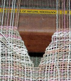 V-neck Shaping on the Loom 2019 V-neck Shaping on the Loom The post V-neck Shaping on the Loom 2019 appeared first on Weaving ideas. Tablet Weaving, Weaving Art, Loom Weaving, Tapestry Weaving, Hand Weaving, Weaving Designs, Weaving Projects, Art Projects, Loom Knitting Patterns
