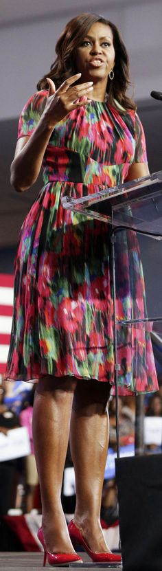 Michelle Obama Michelle Obama, Floral, Casual, Skirts, Fashion, Style, Moda, La Mode, Skirt