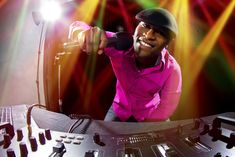 Feel like you are on the top of world with Melbourne DJ in just one click.