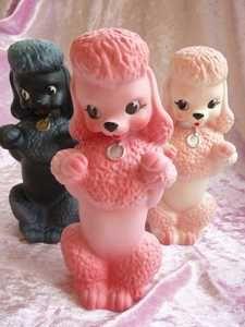Die vielen Dinge die wir alle an den Pudelwelpen genießen Poodle Kitsch, Tea Cup Poodle, Pink Poodle, Vintage Toys, Retro Vintage, Vintage Ideas, Vintage Stuff, Chinoiserie, Old Toys