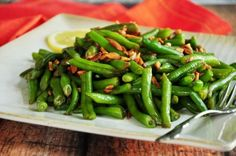 Slivered almonds give these green beans a satisfying crunch while supplying healthy fats!