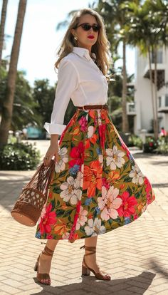 Vacation Style For Do-Stuff Days // White button-down menswear shirt, pleated floral-print tencel an Fashion Mode, Womens Fashion, Fashion Trends, Fashion 2018, Style Fashion, Girly Outfits, Cute Outfits, Floral Skirt Outfits, Long Skirt Outfits