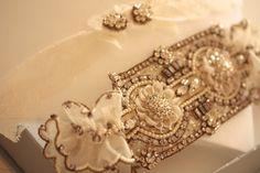 Wedding Garter Set in off white /antique gold
