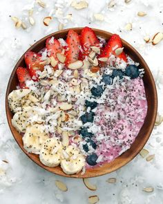 Enjoy A Healthy Breakfast With This Tasty Berry Smoothie Bowl