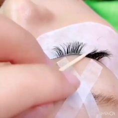 Specialist operation for eyelash file format Eyelash Lift, Eyelash Growth, Eyelash Tinting, Perfect Eyelashes, Fake Eyelashes, Big Lashes, Eyelashes Tutorial, Eyelash Extensions Salons, Eyelash Technician