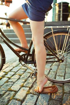 riding bikes in skirts