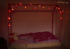 Bodenbett bei Nacht.