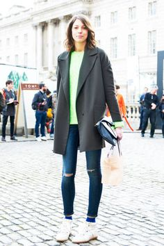 There's always a spot for neon in our hearts #streetstyle