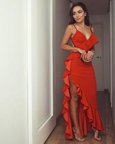 Hot Red Prom Dresses Ruffles Spaghetti Straps Long Evening Party Dress - Beauty is Art Elegant Dresses, Pretty Dresses, Sexy Dresses, Beautiful Dresses, Fashion Dresses, Prom Dresses, Red Dress Prom, Red Ruffle Dress, Casual Dresses