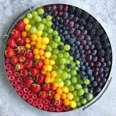 Which one would you start with? 🌈 Rainbow fruit salad by Sine Healthy Fruits, Healthy Snacks, Healthy Recipes, Eat Healthy, Healthy Weight, Easy Recipes, Diet Recipes, Healthy Living, Fruit Platter Designs