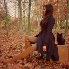 """ℭ𝔥𝔞𝔯𝔩𝔬𝔱𝔱𝔢 𝔦𝔫 𝔈𝔫𝔤𝔩𝔞𝔫𝔡 on Instagram: """"Keeper of keys 🗝🍂🐈 #KittyStrikesAgain #KeeperOfKeysAndGroundsAtHogwarts . . . Coat: @allsaints Boots: @fairfaxandfavor . . . #hogwarts…"""" Country Fashion, Music People, All Saints, Thigh High Boots, Brown Boots, Thigh Highs, Tweed, What To Wear"""
