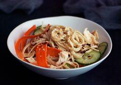 Shredded Chicken Breast and Noodle Salad - Bon Appétit Summer Pasta Salad, Think Food, Breast Recipe, Chicken Salad Recipes, Gnocchi Recipes, Vegetable Salad, Noodle Recipes, Shredded Chicken, Soup And Salad