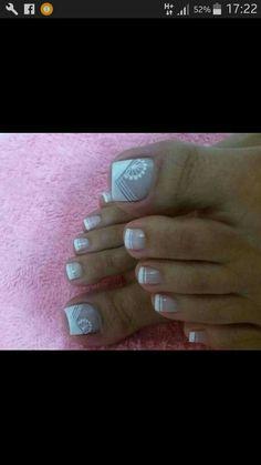 Linda Cute Pedicure Designs, Toe Nail Designs, Pretty Toe Nails, Pretty Toes, Cute Pedicures, Nail Art Hacks, White Nails, Manicure And Pedicure, My Nails