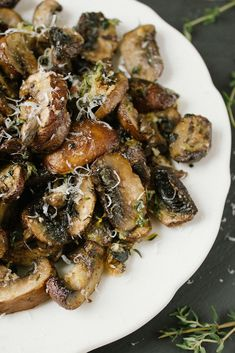 Baked Lemon & Thyme Mushrooms - get your fix of Vitamin D with this yummy mushroom recipe.