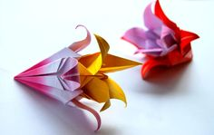 Paper Flowers Paper Flowers, Upcycle, Diy Projects, Craft Ideas, Handmade, Crafts, Hand Made, Manualidades, Upcycling