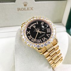 In some cases part of that image is the quantity of money you invested to use a watch with a name like Rolex on it; it is no secret how much watches like that can cost. Stylish Watches, Luxury Watches For Men, Cheap Watches, Cute Jewelry, Jewelry Accessories, Gold Jewelry, Garnet Jewelry, Mode Poster, Rolex Day Date