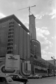 1972 (mars) La Tour Maine-Montparnasse en construction