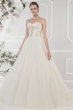 Find More Wedding Dresses Information about Cheap Sweetheart Bridal Gown Sleeveless Low Back Button Tulle Vestido de Novia Under $100 Latest Design Long Wedding Dress ,High Quality wedding shoes and handbags,China dress sara Suppliers, Cheap wedding dress wang from E&D GOWNS on Aliexpress.com