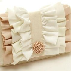 AND EASY APPLIQUE CLUTCH!!! Ruffled Clutch Tutorial (with the beautiful green fabric from Bonnie?)