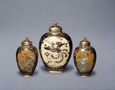 Pair of vases | Namikawa Yasuyuki | V&A Search the Collections