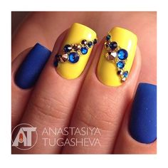 Nails yellow and Blue con brilli