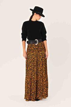 Silhouette Mode, Fashion Silhouette, Chiffon Skirt, Midi Skirt, Trendy Fashion, Fashion Beauty, Flare, Asymmetrical Skirt, Spring Looks