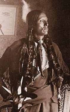 Noble- Brave- etc. Native American Pictures, Indian Pictures, Native American Pottery, Native American Tribes, Native American History, American Indians, Quanah Parker, Native American Spirituality, Native Indian