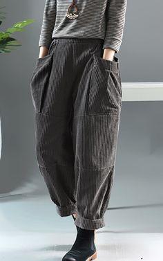 Fashion Pants, Diy Fashion, Ideias Fashion, Fashion Outfits, Filles Alternatives, Casual Dresses, Casual Outfits, Aesthetic Clothes, Harem Pants