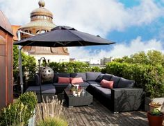 smart-rooftop-terrace-with-sofas-522x403
