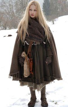 La mode Mori Girl 森 ガール - Ma passion d'Otaku Mori Girl, Mode Mori, Character Design Inspiration, Style Inspiration, Forest Girl, Medieval Clothing, Medieval Outfits, Celtic Clothing, Medieval Costume