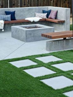 You possibly can make your home far more particular with backyard patio designs. You are able to turn your backyard in to a state like your dreams. You will not have any trouble at this time with backyard patio ideas. Backyard Seating, Backyard Patio Designs, Fire Pit Backyard, Backyard Ideas, Patio Ideas, Concrete Backyard, Garden Seating, Concrete Fire Pits, Backyard Fireplace