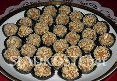 Ovocné kuličky s mandlemi dia Sweet Recipes, Zucchini, Vegetables, Ethnic Recipes, Food, Essen, Vegetable Recipes, Meals, Yemek