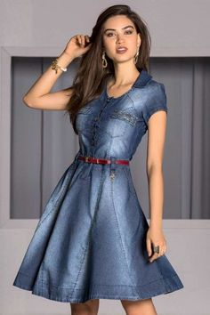 This is beautiful! I love the flare of the skirt. Denim Fashion, Look Fashion, Jeans Dress, Dress Skirt, Chambray Outfit, Womens Denim Dress, Denim Ideas, Western Dresses, Modest Dresses