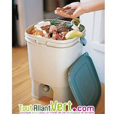 Composteurs d 39 appartement on pinterest compost cuisine - Poubelle a compost d interieur ...