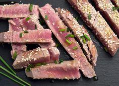 Bei diesem Thunfisch Filet sorgen scharfer Ingwer, frischer Limettensaft und würzige Sojasoße für eine regelrechte Geschmacksexplosion.