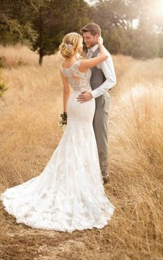 Bridal Gown Available at Ella Park Bridal | Newburgh, IN | 812.853.1800 | Essense of Australia - Style D2322