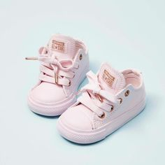 Cute pink shoes four little one 🌺